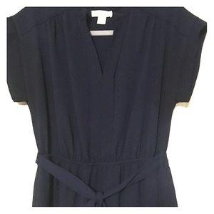 Navy tie waist short sleeved dress with pockets